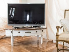 Mobile TV in legnoMobile TV 7 - GARDEN HOUSE LAZZERINI