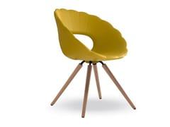 Sedia in schiuma integrale con base in legnoFLOWER | Sedia imbottita - TONON
