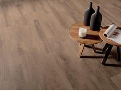 Pavimento/rivestimento in gres porcellanato effetto legnoVIBE ROVERE - CERAMICHE CAESAR