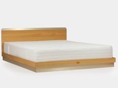 Letto matrimoniale in legno masselloVIRA GOLD | Letto - KAISSU INTERIORS OÜ