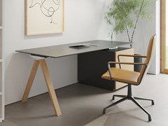 Scrivania rettangolare in legno impiallacciato con scaffaliVIS HOME OFFICE   Scrivania con scaffali - BK CONTRACT EQUIPMENT