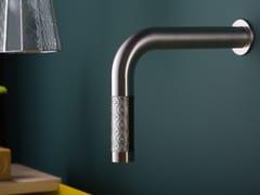 Bocca di erogazione in acciaio inox e vetro a muro per lavabo REVITRUM | Bocca di erogazione a muro - REVITRUM
