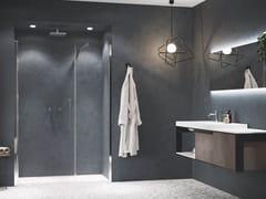 Box doccia a nicchia con porta a battenteYOUNG | G+F IN LINEA - NOVELLINI