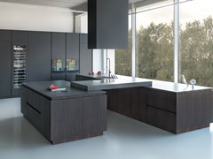 Cucina in legno impiallacciato con isolaZ4 - ZAJC KUCHNIE