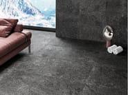 Pavimento/rivestimento in gres porcellanato effetto pietra per interni