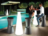 Polyethylene garden stool DOT | Stool by Lyxo Design