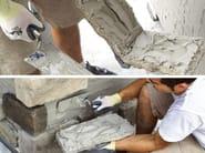 Collante e rasante di sistema per la pietra ricostruita