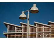 Farola LED de aluminio moldeado LP ICON MINI OPAL | Farola by Louis Poulsen