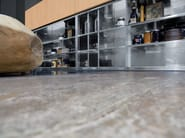 Cucina in acciaio inox con isola MONOLIT 90° INOX HAND-BRUSHED by Xera by Arex