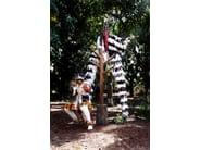 Appendiabiti da terra in legno RACK by Pols Potten