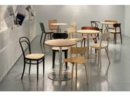 Table ronde en acier inoxydable et bois S 1123 | Table by Thonet