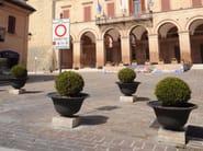SALIX   Fioriera per spazi pubblici