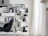 Parete attrezzata modulare in legno con porta tv
