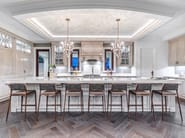 Decapé custom wooden kitchen with island VANCOUVER by Martini Interiors