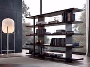 Libreria a giorno bifacciale in legno impiallacciato
