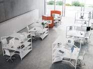 Postazione di lavoro multipla con pannelli divisori fonoassorbenti per open space HUB | Postazione di lavoro by FANTONI