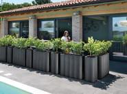 Square polyethylene planter NEBULA COLONNA | Planter by Lyxo Design