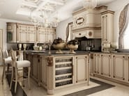 Custom solid wood kitchen with island NEW YORK | Queens by Martini Interiors