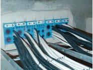 Telaio metallico per sigillatura di cavi e tubi