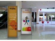 InUNO | Segnaletica Totem pubblicitario per centri commerciali