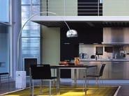 Lampada da terra in alluminio design