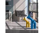 Escultura de polietileno RAFFA BIG by Plust