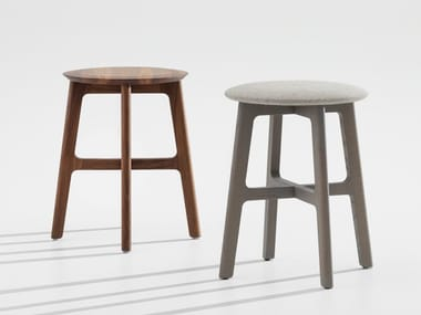 Low wooden stool 1.3 STOOL
