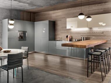 Kitchen with peninsula 36E8 GLASS   Kitchen with peninsula