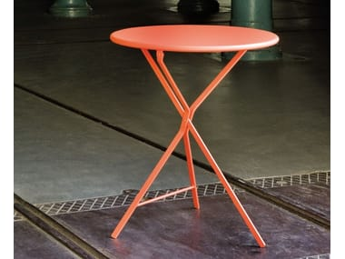 Folding round metal table 402 | Table