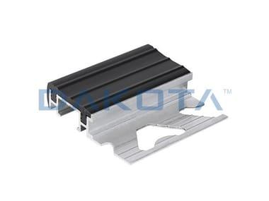 Profilo paraspigolo in alluminio PROFILO ALLUMINIO GRADINO INSERTO PVC
