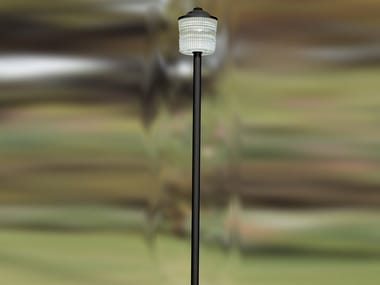 Glass and iron garden lamp post 5585 | Garden lamp post