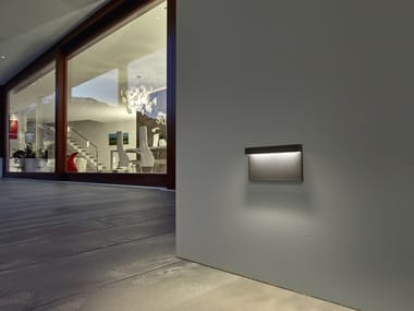 Wall-mounted outdoor die cast aluminium steplight 5CENTO