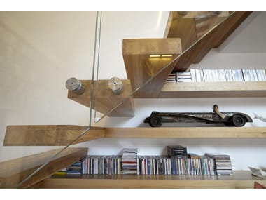 800 | Cantilevered Staircase