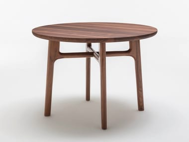 Round solid wood dining table ROLF BENZ 909 | Round table