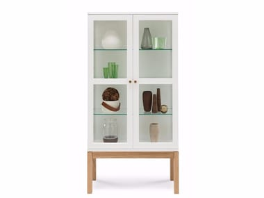 Wood and glass display cabinet ABBEY WOOD | Display cabinet