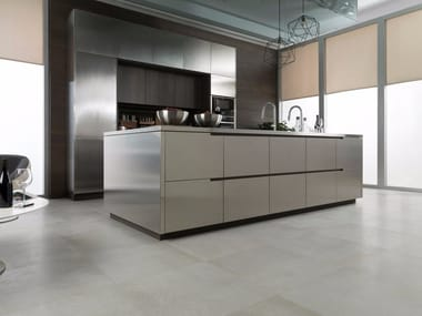 Steel and wood fitted kitchen with island E7.90 | Steel kitchen