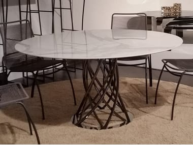 Round Carrara marble table AIR | Carrara marble table