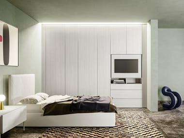 Armadio a muro con pannello porta TV orientabile integrato ALTERNA SM2009   Armadio