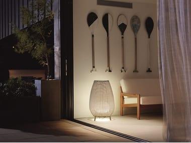 Lampada da terra per esterno in fibra sintetica AMPHORA 01