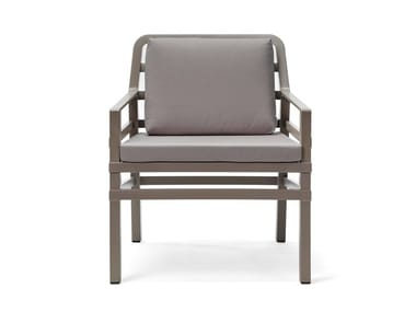 Low lounge chairs