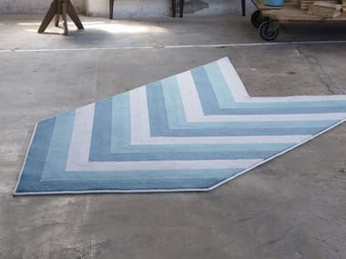 Contemporary style handmade synthetic fibre rug with geometric shapes ARROW