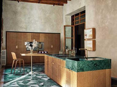 Oak and Green Guatemala marble kitchen with island INTARSIO - ART & ORDER