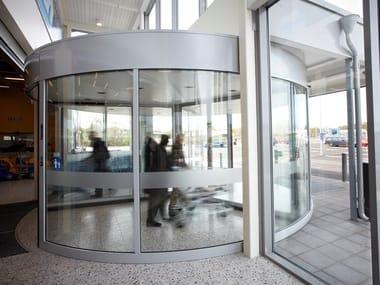 Porta girevole ad alta capacità a tre settori ASSA ABLOY RD3L