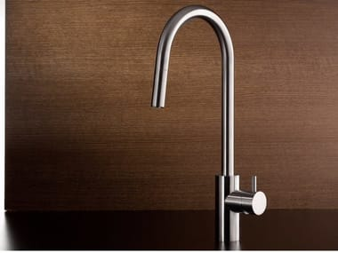 Kitchen mixer tap with pull out spray AVA 9030