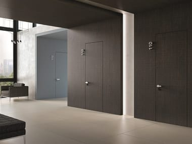 Hinged flush-fitting door B-LINE REI