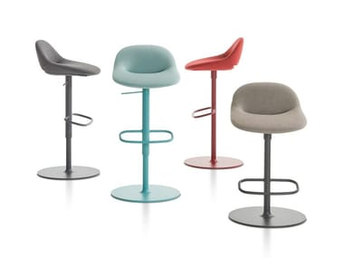 High stool with footrest BESO | High stool