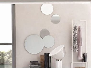 Round wall-mounted mirror BOLLE