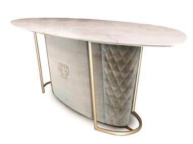 Tavolo ovale in marmo e base con rivestimento trapuntato BRERA | Tavolo