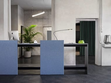 Office reception desk with acoustic panels BRIDGE | Office reception desk