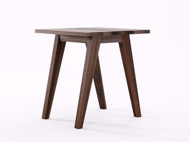 Quadratische Tische Aus Wiederverwendetem Holz Archiproducts